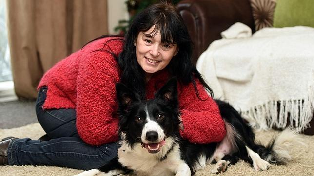 JS52985218--644x362 Gracias a su olfato un perro le detecta un cáncer de pecho a su dueña Gracias a su olfato un perro le detecta un cáncer de pecho a su dueña JS52985218
