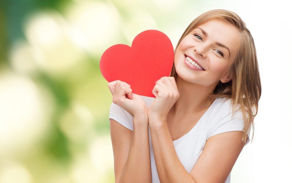 Salud del corazón Alimentos saludables para nuestro corazón Alimentos saludables para nuestro corazón bigstock happiness health people hol 81385481